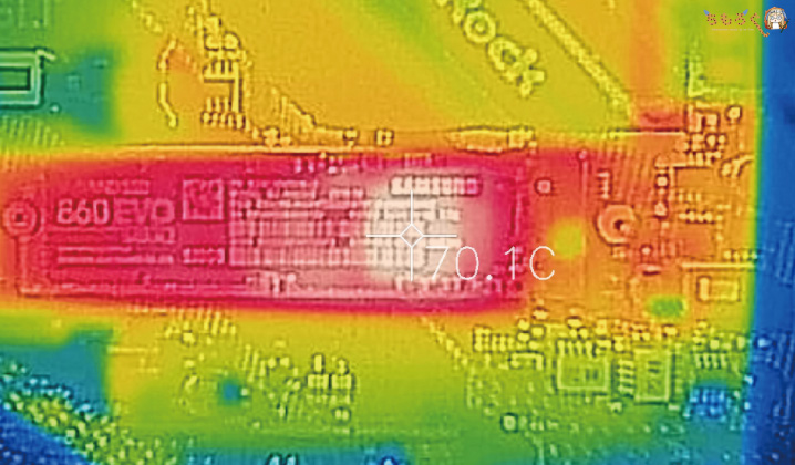 Samsung 860 EVOをレビュー(温度を計測)