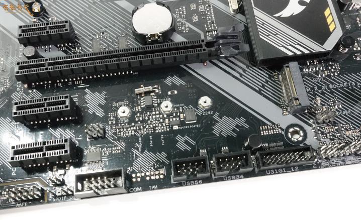 ASUS TUF B450-Pro Gamingの外観チェック