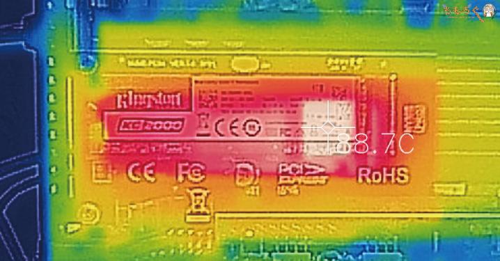 Kingston KC2000をレビュー(サーモグラフィカメラで表面温度)