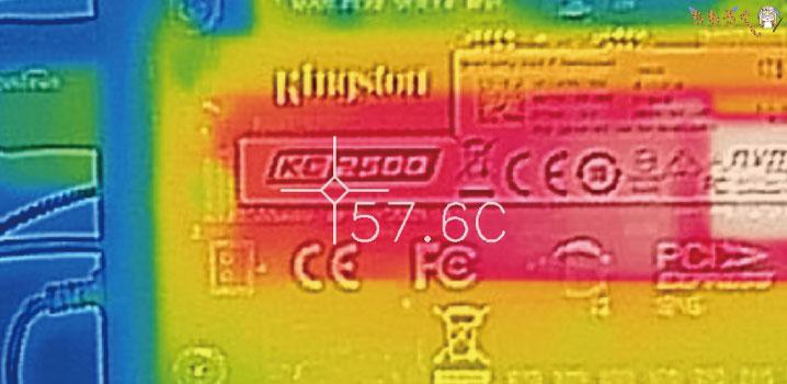 Kingston KC2500 1TBをレビュー(サーモグラフィカメラで表面温度)